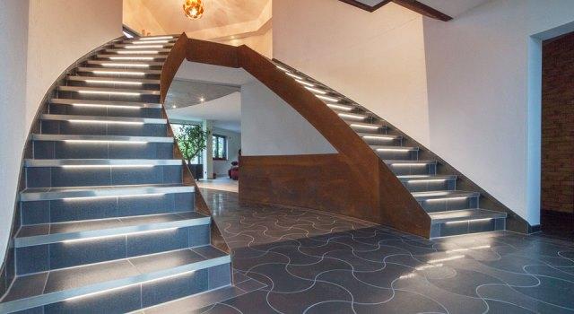 Iluminación de cajas de escaleras completas